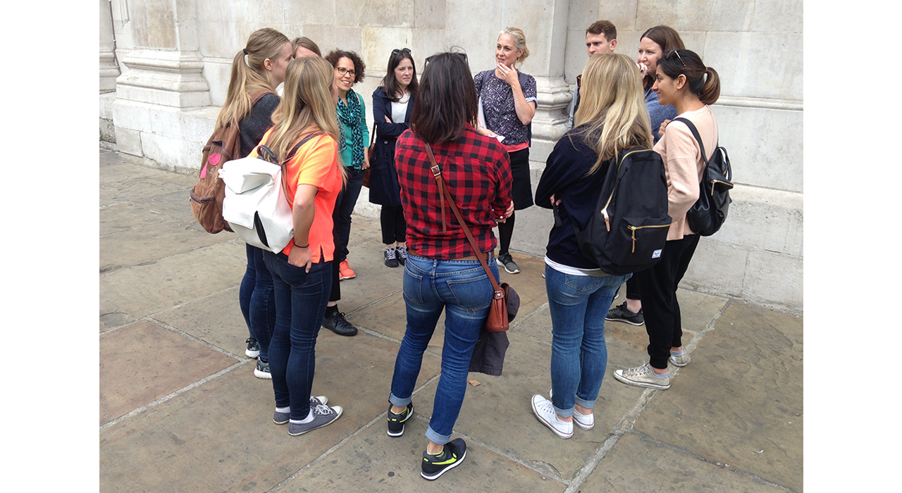 London Guided Walks for Corporate Groups